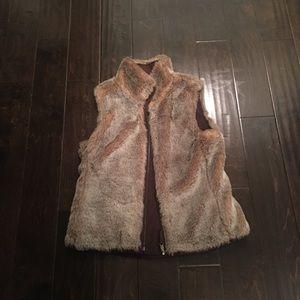 Gap faux fur reversible vest